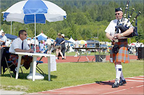 ea13856136bf Andrew Lenz s Bagpipe Tips  Learning How to March with Bagpipes